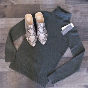 French Connection Turtle Neck Sweater XS Green